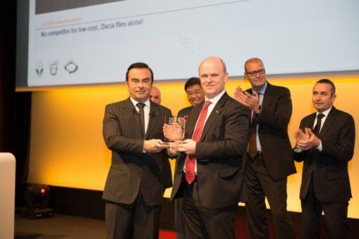 fc2d1fe590d825e4385979a220cb3534 520x347 - Николя Мор награжден «Премией Президента» Renault Group