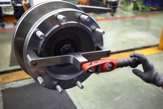 febe1b7933b1344aa84744cf1cfa418f 520x347 - КАМАЗ продолжает модернизацию производства